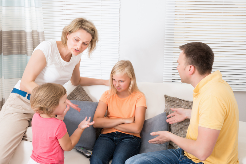 10 Signs You Have Toxic Family Members And 3 Things You Can